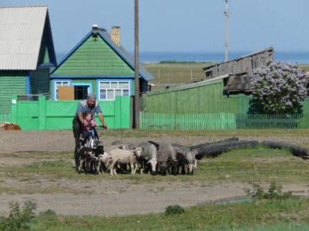 Im Dorf Bolschoje Golustnoje