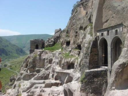 Vardsia - Höhlenstadt im Süden Georgiens