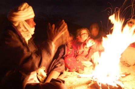 Abendliche Stimmung am Lagerfeuer