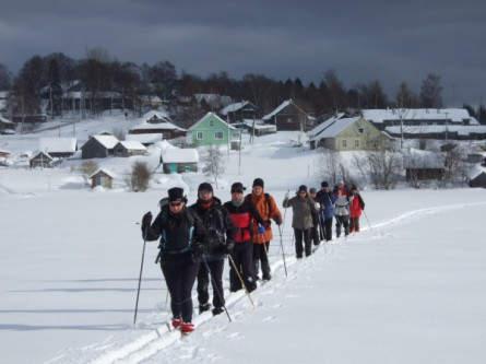 Auf Ski durch Dörfer, Wälder und über zugefrorene Seen