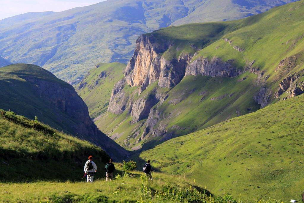 Wandern in den Albanischen Alpen mit Übernachtungen in familiengeführten Unterkünften