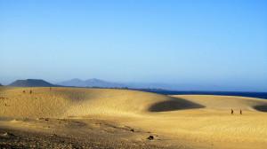 Die riesigen Sanddünen in Corralejo versprühen einen Hauch Saharafeeling.