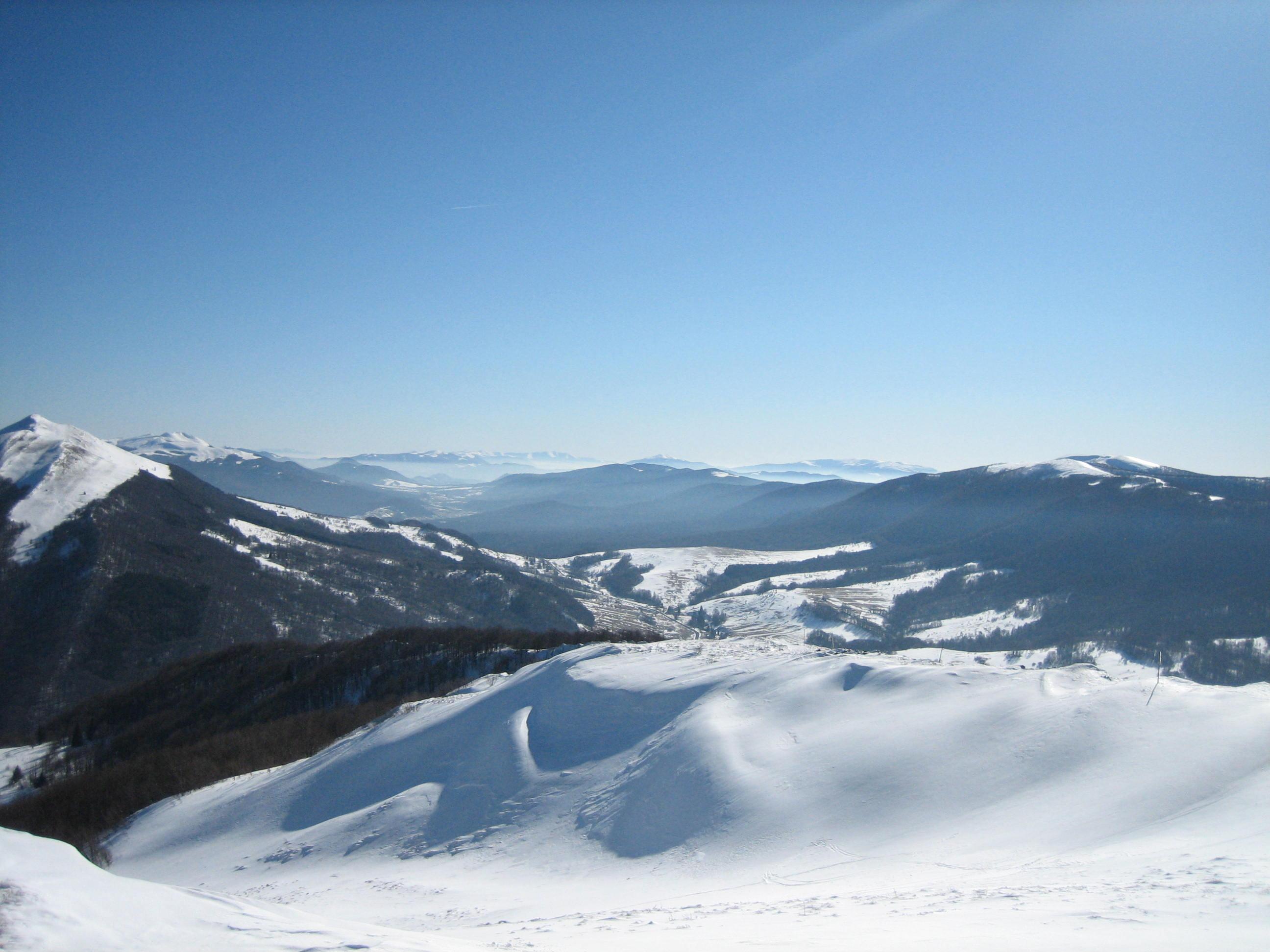 Weiter Blick über die Höhen des Bieszczady