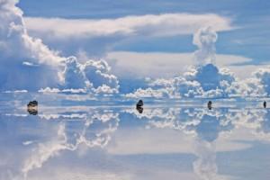 Vor allem nach dem Regen beeindruckt der Salzsee mit fotogenen Spiegelungen