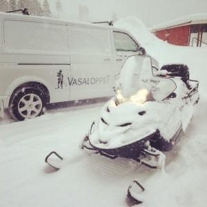 Es ist angerichtet! Der Schnee und die Kälte, die in unseren Gefilden lange auf sich warten ließen, sind in Schweden eingetroffen.