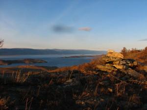 Baikal in warmen Herbsttönen