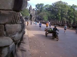 Laufkulisse der besonderen Art beim Angkor Wat Halbmarathon