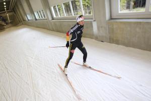 In der Skihalle trainieren zahlreiche Profis und Nationalmannschaften während der schneelosen Zeit.