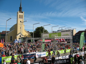 Freedom Square (estnisch: Vabaduse väljak) - Start- und Ziel des Tallinn Marathons