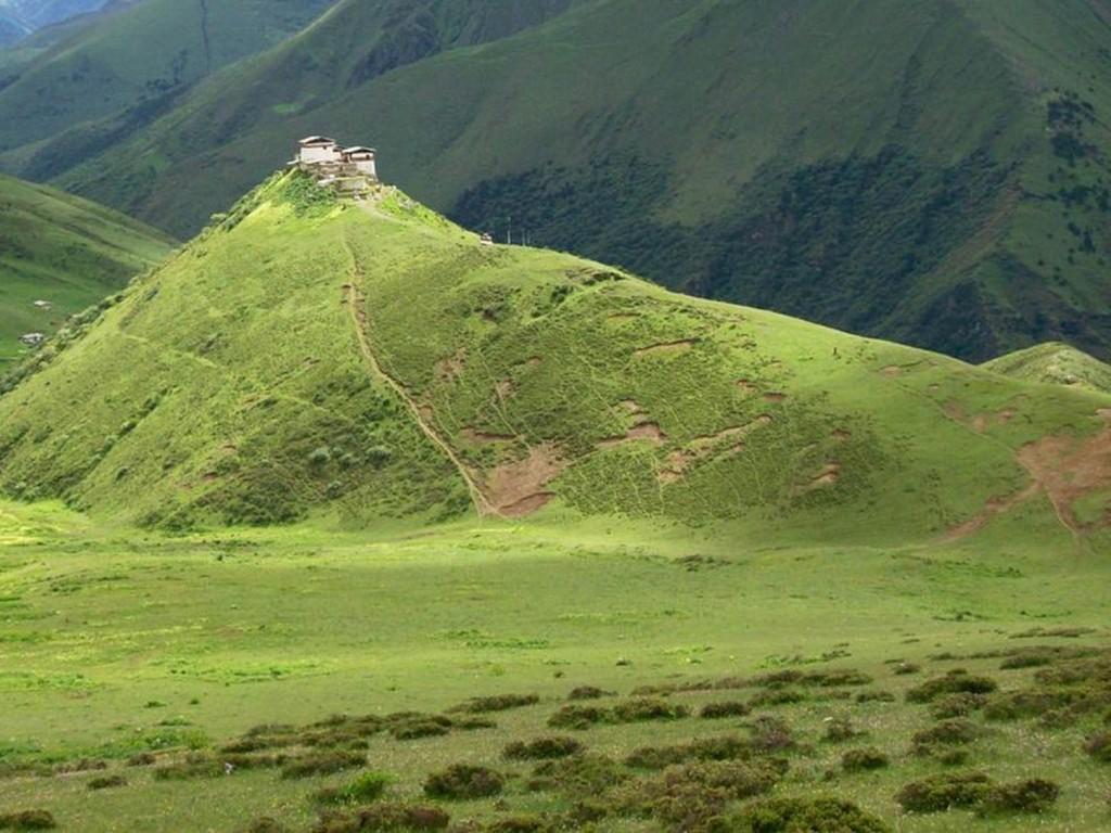 Lingzhi Yügyal Dzong - ein Kloster in 4150 m Höhe