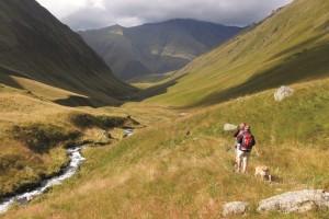 Trekkingbeginn im idyllischen Sno-Tal