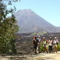 Der kapverdische Pico do Fogo ist nicht ganz erloschen - noch immer raucht es aus einzelnen Schloten. Der Aufstieg zum Gipfel (2829 m) dauert ca. 3-4 Stunden.