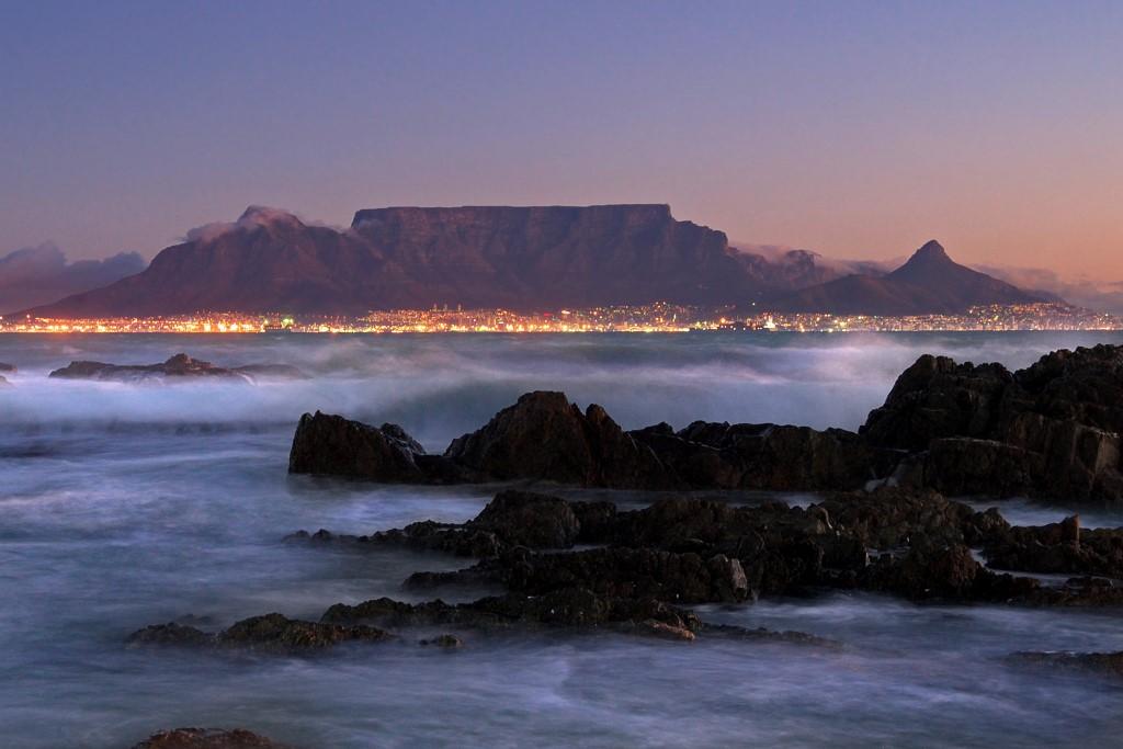 Die Mutterstadt Kapstadt mit dem Tafelberg.