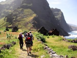 Entlang alter Pfade geht es im Norden der Insel Santo Antão von Ponta do Sol nach Cruzinha.