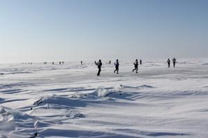 Einmalig: ein Lauf über den zugefrorenen Baikal ...