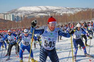 Kurz nach dem Start zum Murmansker 25/50 km-Lauf