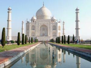 Das weltberühmte Taj Mahal in Agra