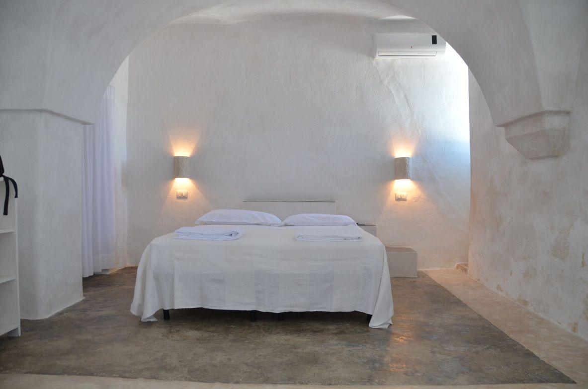 s ditalien bernachten in verstreuten hotels und einer besonderen masseria schulz aktiv. Black Bedroom Furniture Sets. Home Design Ideas