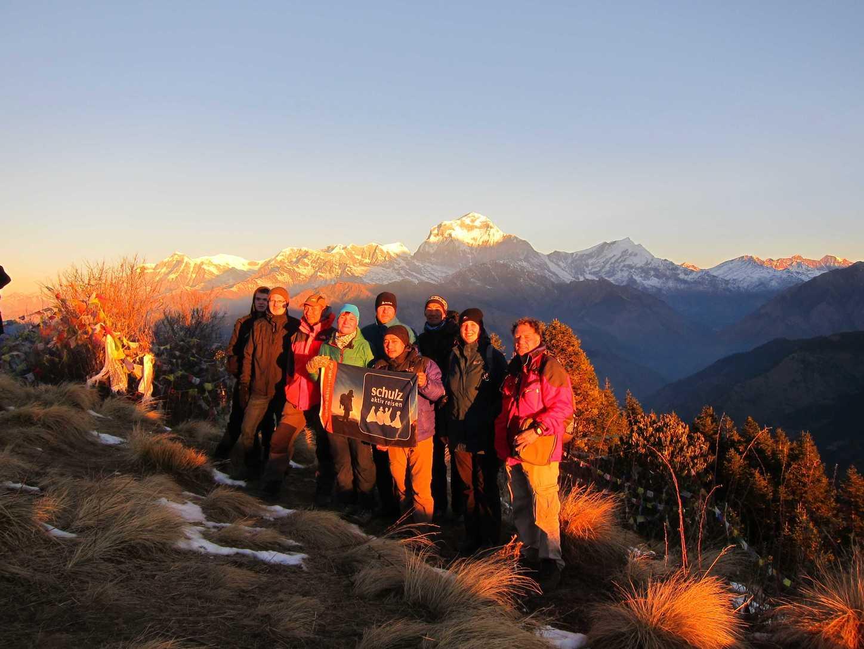 Unsere Weihnachten/Neujahres-Gruppe auf dem Poon Hill mit Gelu und Lakpha Sherpa
