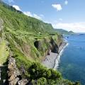 Wandern entlang der Steilküste am westlichen Ende Europas (Flores)