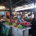 Marktbesuch in Kutaissi - neben Obst und Gemüse gibt es auch georgischen Tee und Gewürze zu kaufen.