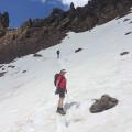 Auf über 2000 m Höhe kann es auch noch Schneefelder geben
