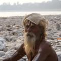 Sadhu (hinduistischer Mönch) am Ganges