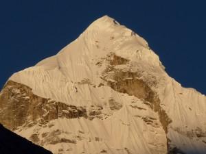 Blick auf die Berge des Garhwal Himal