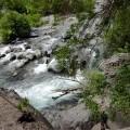 Auf der Wanderung durch den Alcantara-Park ist der Fluss Ihr ständiger Wegbegleiter