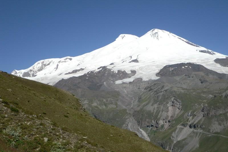 Der berühmte Doppelvulkan ist der höchste Berg Europas