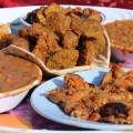 Lecker Essen zum Mittag in der Wüste