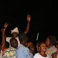 Viele der aus ganz Mali angereisten Zuhörer kennen die Texte ihrer Idole auswendig ...
