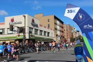 New York Marathon, km 35: riesige Begeisterung an der gesamten Strecke