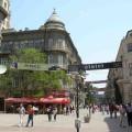 Eine Fußgängerzone lädt zum Schlendern ein
