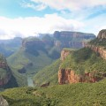 Taumhafter Blick in den Blyde River Canyon - hier wandern Sie sich warm.