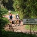In Uganda sind Sie abseits großer Verkehrsstraßen unterwegs