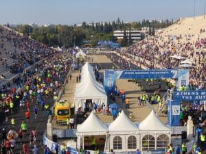 Gänsehautgarantie: Der Zieleinlauf geht direkt ins historische Panathinaiko-Stadion.