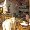 Beim Schlendern durch die Gassen von Agra trifft man auf so manch Kurioses ...
