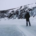 So frostig, dass man (so wie hier der Islandbearbeiter) auf Flüssen stehen kann.