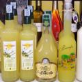 Saftige sizilianische Zitronen sind die Basis für Lemoncello, den berühmten italienischen Zitronenlikör