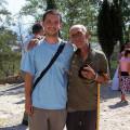 Reiseleiter Marin (links) und ein alter Albaner