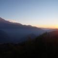Auch während der anderen trekkingtage begleiten uns die fantastischen Aussichten auf die Berge (hier in Tadapani).