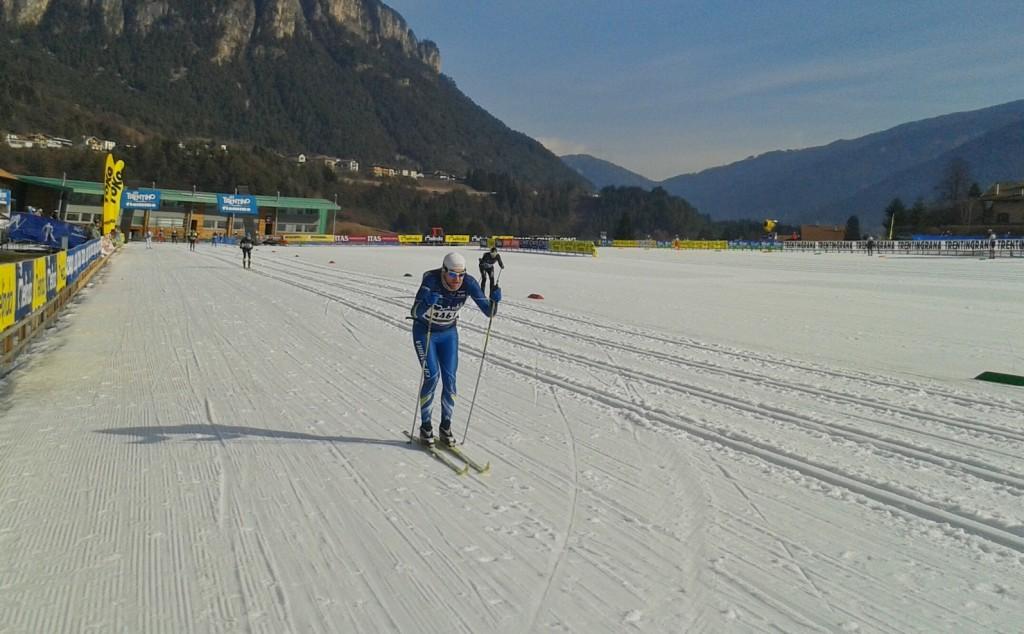 Die Strecke führt auch durch das WM-Skistadion in Lago di Tesero.