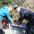 Warum die einen die Wanderschuhe- und Stefan die Laufschuhe schnüren, berichten wir in der Reisekneipe Dresden am 16. März.