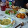 Traditionell essen in einem sibirischen Dorf