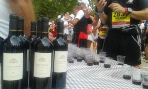 """Der """"Marathon du Medoc"""" ist auch bekannt als die längste Weinprobe der Welt."""