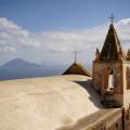Rast an einer der Kirchen auf Alicudi.