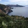 """Der """"Vier-Augen-Blick"""" auf Liparis Westküste, Vulcano und Sizilien."""