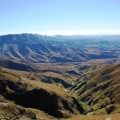 Auch dies sind die Drakensberge - trocken und weitläufig