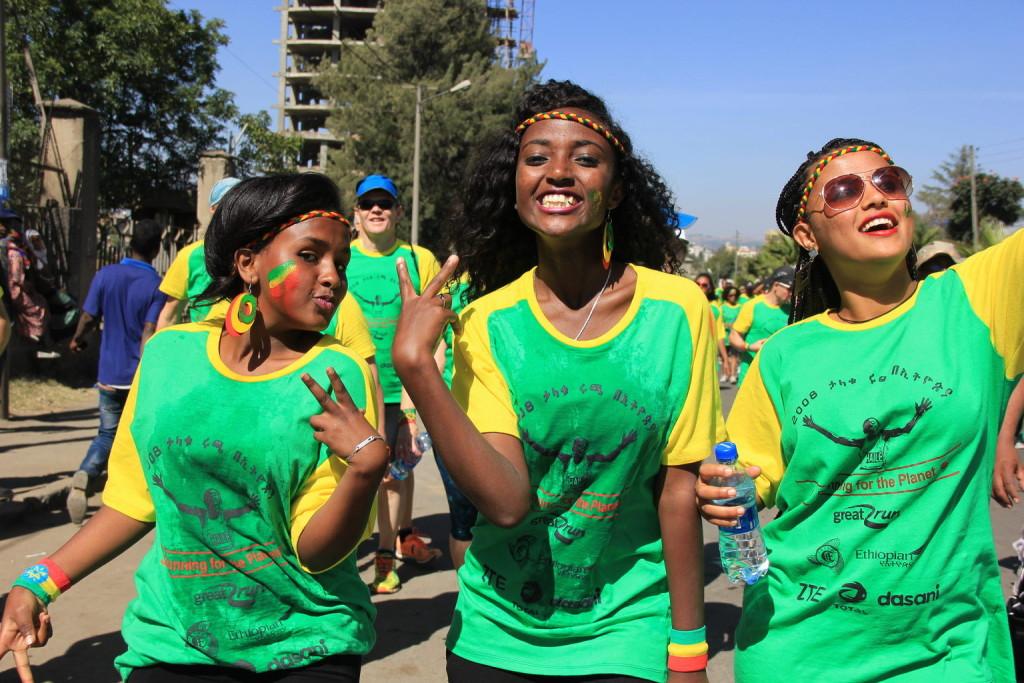 """Die 10 km des Great Ethiopian Run werden zumeist """"durchgefeiert"""" :-)"""